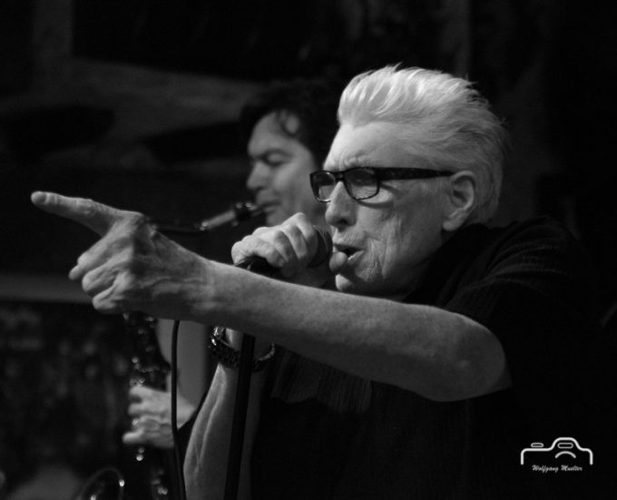 Chris Farlowe w. Norman Beaker Band 2015